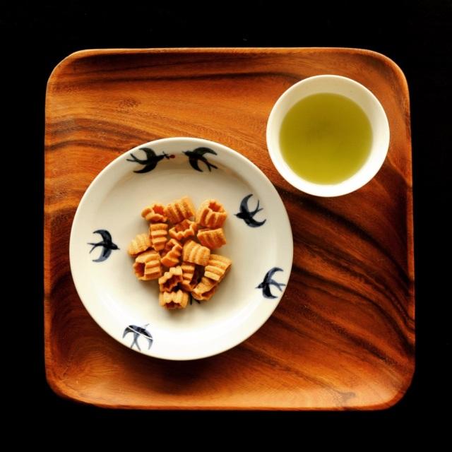 まっちん×山本佐太郎商店 大地のおやつ 「いがっこのにんにんクッキー」