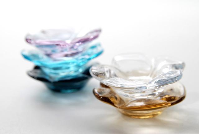 Sugahara Glass(スガハラガラス) 「花箸置き」