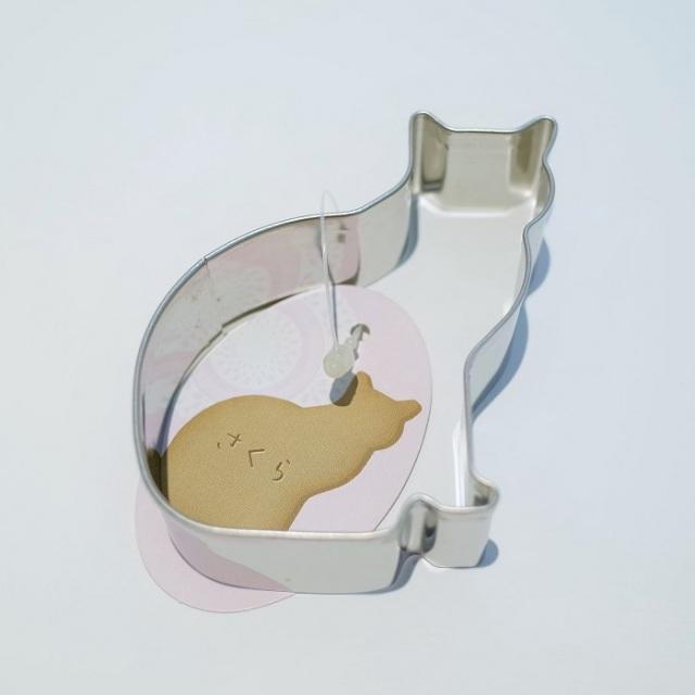 クッキー抜き型 ネコ さくら (ふりむく)