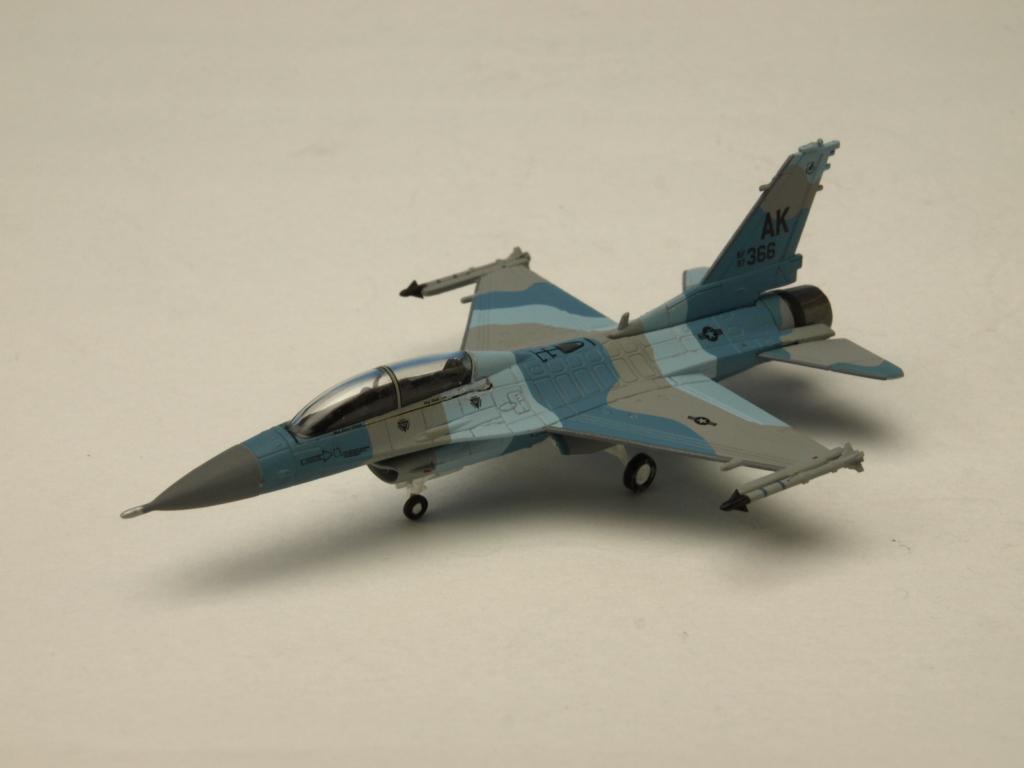 M-SERIES/エム シリーズ F-16D アメリカ空軍 18TH AGRS 「ブルーフォクシーズ」AK366 「フラ