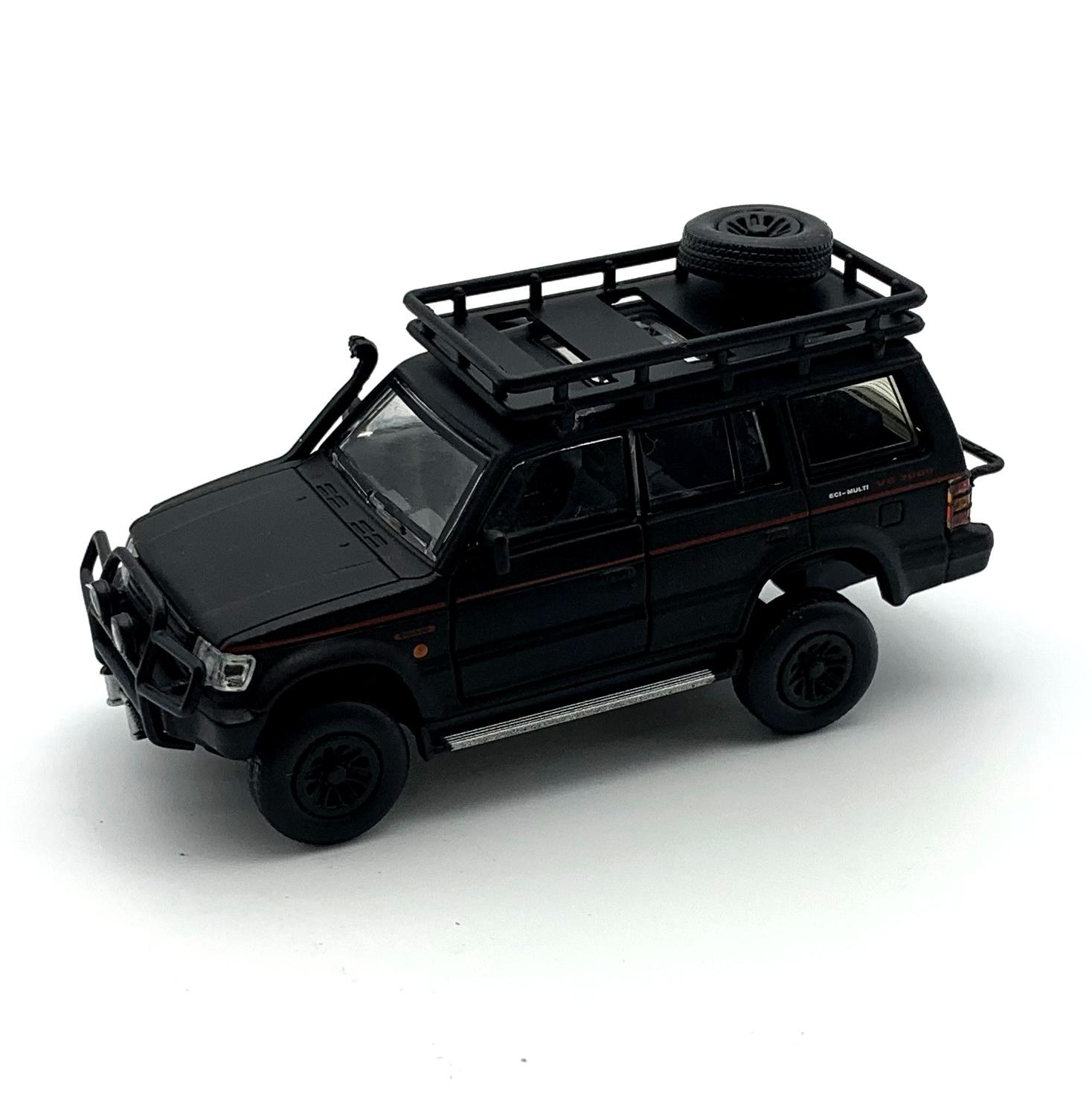 BM CREATIONS 三菱 パジェロ 2nd Generation マットブラック Jungle pack  LHD