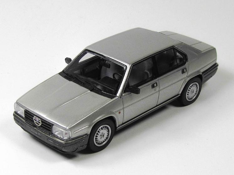 KESS/ケス アルファ・ロメオ ALFA 90 QUADRIFOGLIO ORO (1984) シルバー