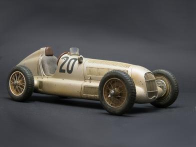 CMC/シーエムシー メルセデス・ベンツ W25 汚れ仕様 Dirty Hero 1934年アイフェルレンネン