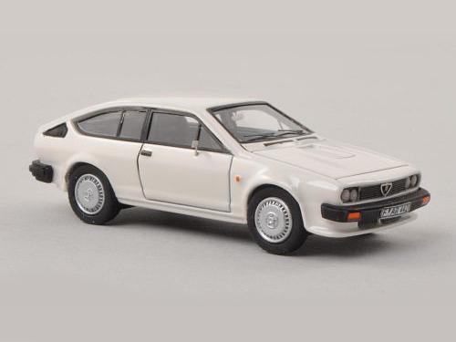 NEO/ネオ アルファ・ロメオ GTV 6 ホワイト