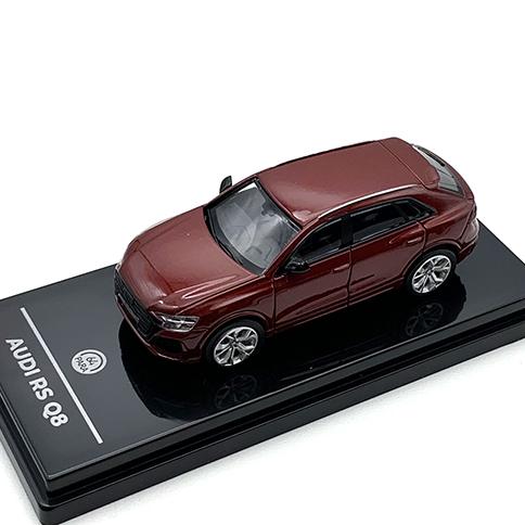PARAGON/パラゴン アウディ RS Q8 メタリック マタドールレッド LHD