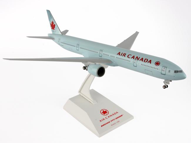 DARON/ダロン スカイマークス エアカナダ 777-300ER 1/200 ランディングギア付