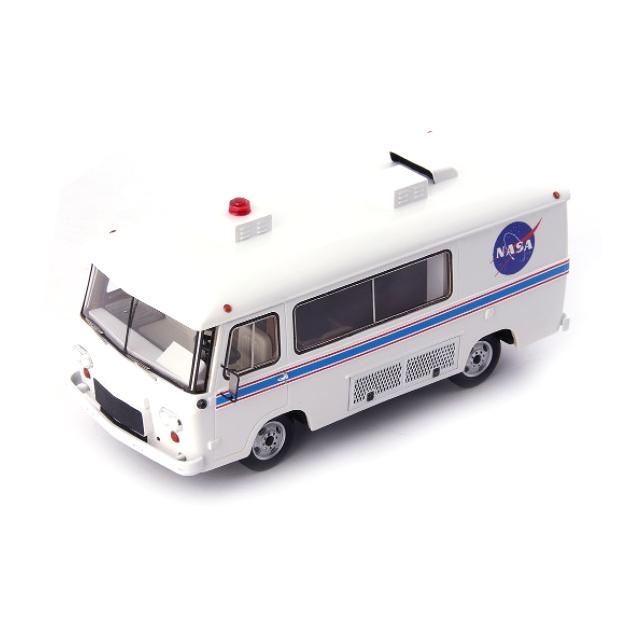 Auto Cult/オートカルト Clark Cortez 宇宙飛行士バン アポロ 11 USA 69 ホワイト