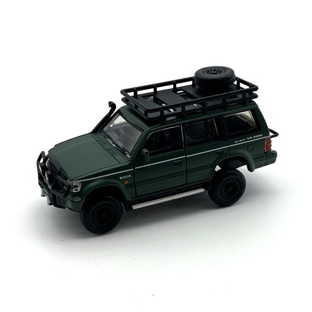 BM CREATIONS 三菱 パジェロ 2nd Generation マットグリーン Jungle pack  RHD