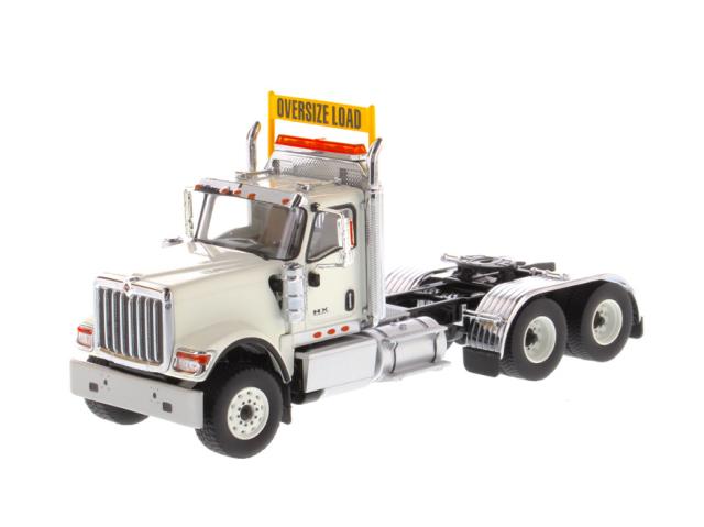 DIECAST MASTERS インターナショナル HX520 Tandem トラクター ホワイト