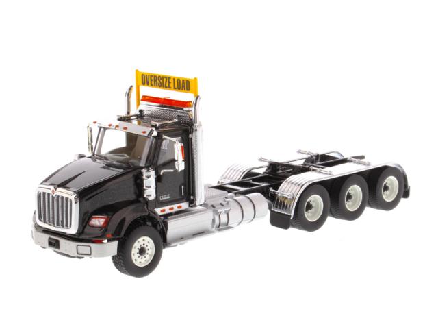 DIECAST MASTERS インターナショナル HX620 Tridem トラクター メタリックブラック