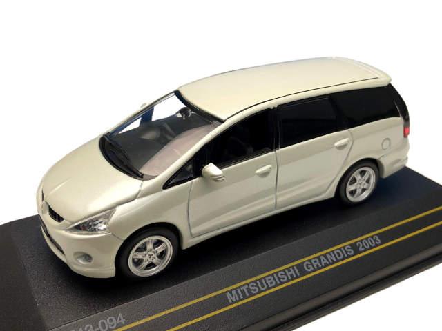 First43/ファースト43 三菱 グランディス 2003 ホワイト