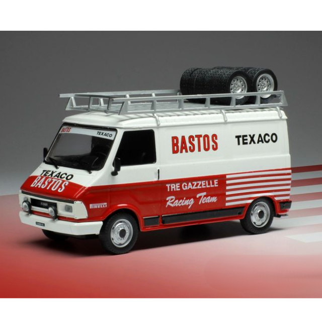 ixo/イクソ フィアット 242 TRE GAZELLE BASTOS ラリーアシスタントカー