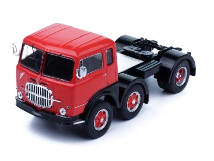 ixo/イクソ フィアット 690 T1 1961 レッド/ブラック