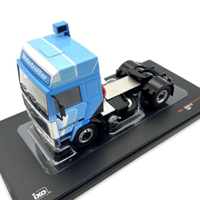 ixo/イクソ ボルボ F12 1981 ホワイト/ブルー