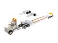 DIECAST MASTERS インターナショナル HX520 Tandem トラクター XL 120トレーラー付  リアブースター2種付 ホワイト