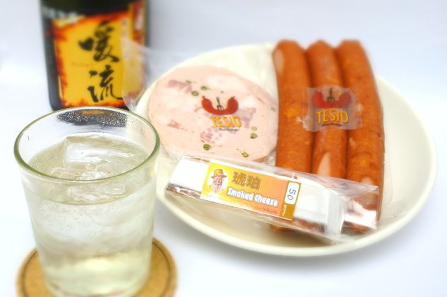 ぬちぐすいセット vol.1 暖流30度720ml&チーズ&ソーセージ(送料込)(冷蔵便)