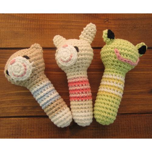 赤ちゃんのおもちゃ【手編み動物あみぐるみ】手作り玩具ガラガラ安心素材【猫・うさぎ・カエル】