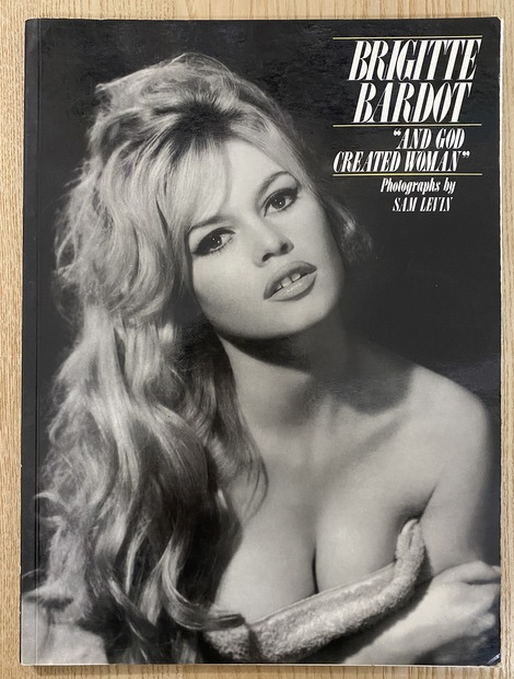 "BRIGITTE BARDOT ""AND GOD CREATED WOMAN"" ブリジット・バルドー 洋書"