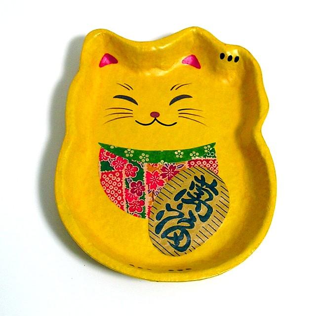 幸福の黄色招き猫トレー