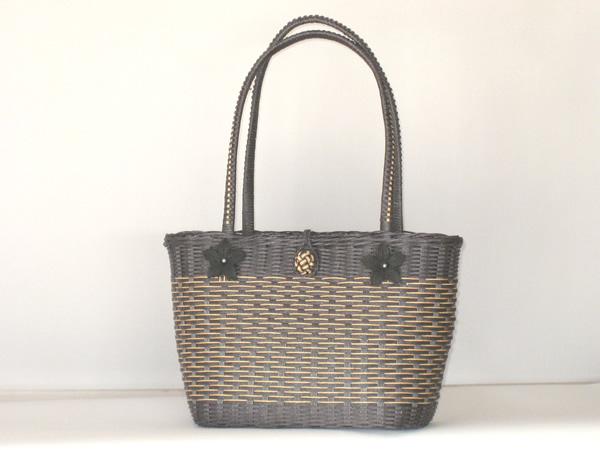 エコクラフト 黒のバッグ1