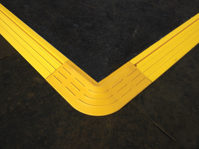 段差スロープコーナー 使用例