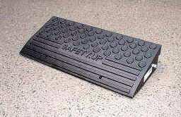段差解消スロープ「セフティアップ10B/10G」高さ100mm