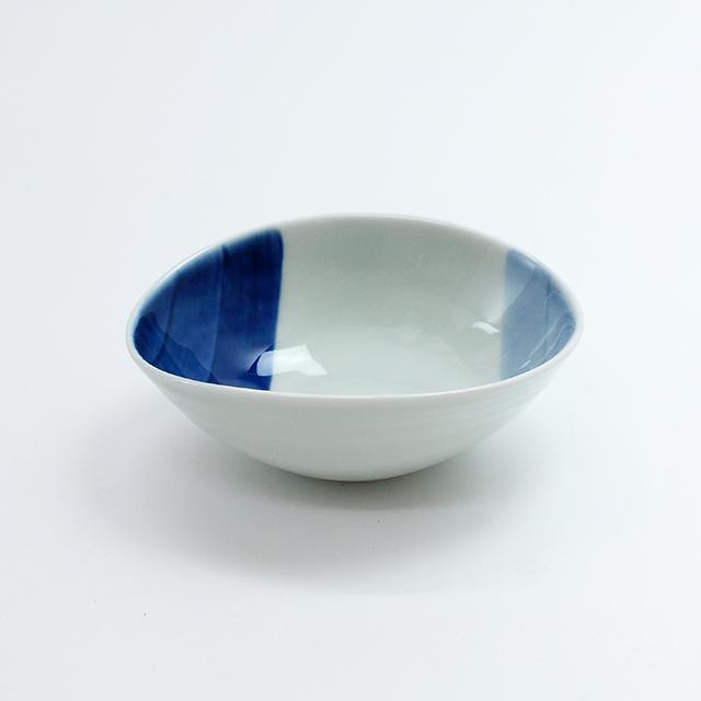 染付変形小鉢