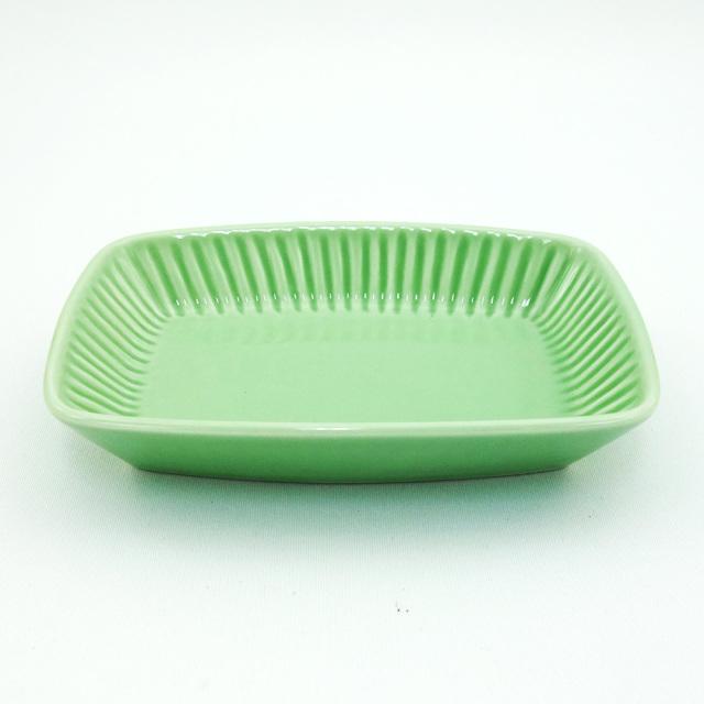波佐見焼 黄緑釉 しのぎ角小皿
