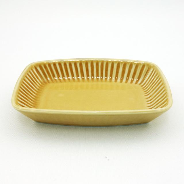 波佐見焼 コハク釉 しのぎ角小皿