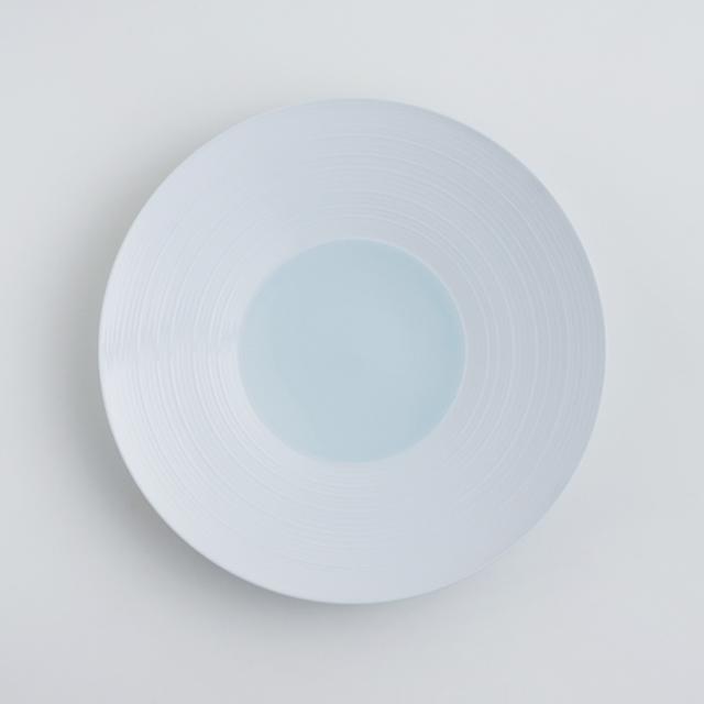 波佐見焼 洸琳窯 見込青白磁千段 7寸皿