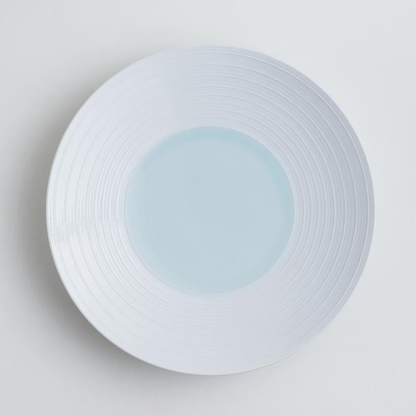 波佐見焼 洸琳窯 見込青白磁千段 8寸皿