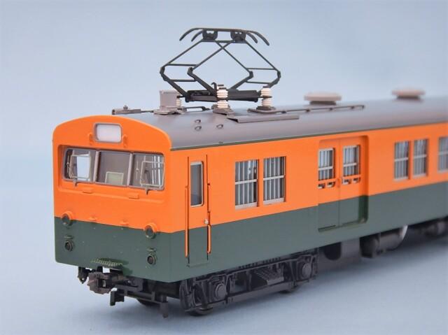 クモニ83-0 湘南色 (M)