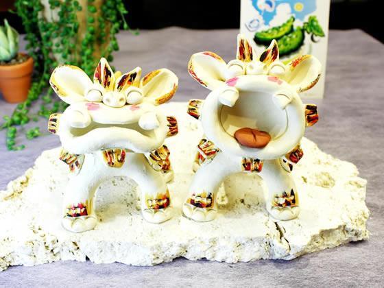 ちゅら海沖縄の守り神♪花工房 完全ハンドメイド作品 『にひひシーサー』・色付き