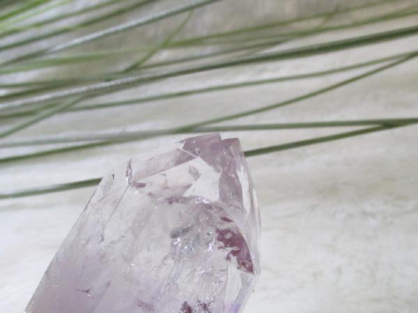 希少なナミビア、ブランドバーグ産アメジスト原石