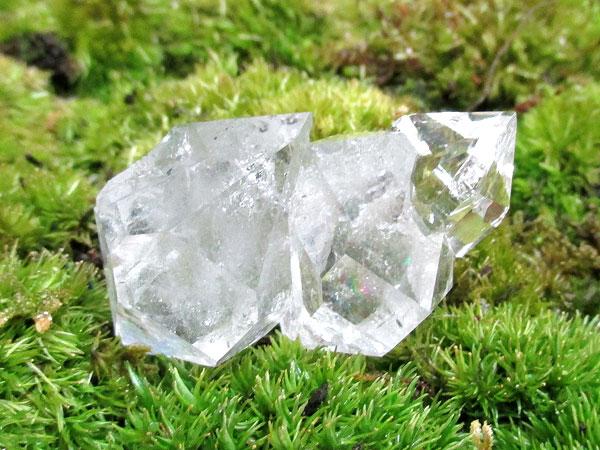 アメリカのニューヨーク州ハーキマー地区より産出した水晶、ハーキマーダイヤモンド