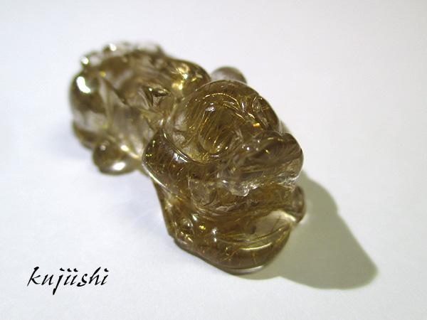 ルチルクォーツ貔貅(ひきゅう)彫刻