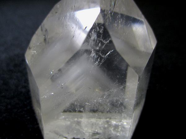 ファントムクォーツ水晶ポイント