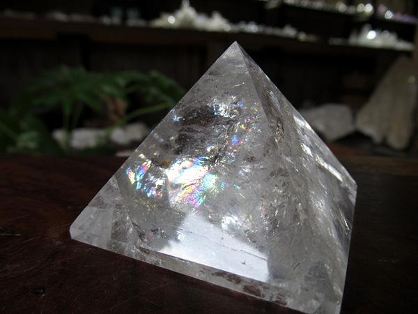 天然石 ピラミッド 水晶 トカンティンス州産 通販 販売 天然石専門店