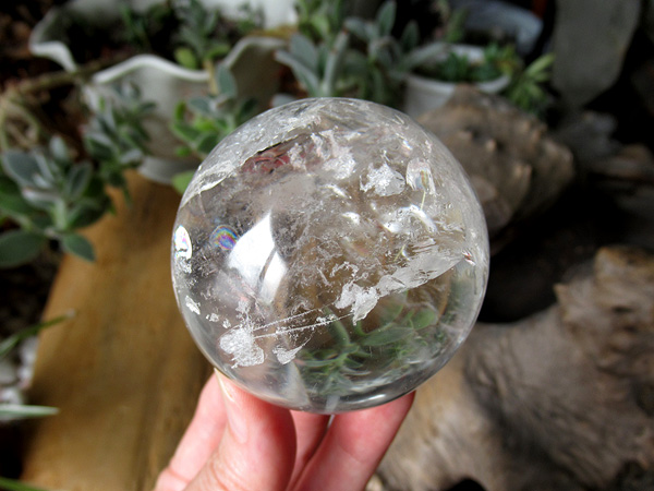 レインボースタッデッドクォーツ 天然水晶 丸玉 トカンティンス州産 通販 販売