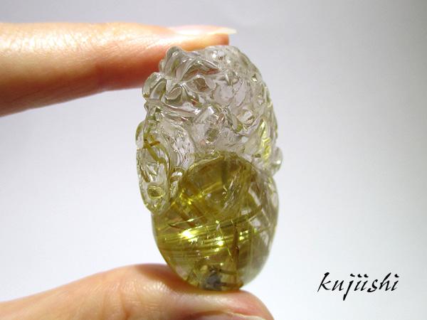 高品質ルチルクォーツ(水晶)銭蛙の彫刻