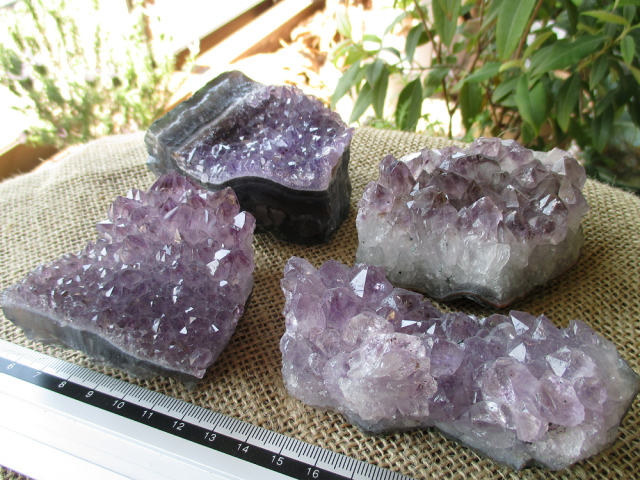 特価アメジスト原石の通販/クラスター1kgセット | 天然石専門店【鬮石】