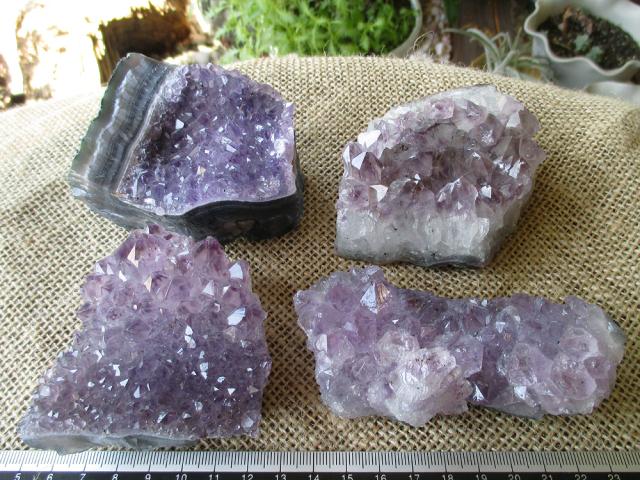 特価アメジスト原石の通販/クラスター1kgセット   天然石専門店【鬮石】