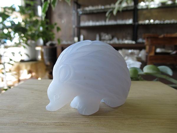 ブルーカルセドニー ハリネズミ 通販 原石 彫刻