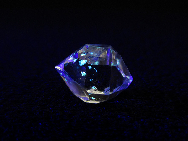 オイルインクォーツ 石油入り水晶 高品質 天然石専門店【鬮石】