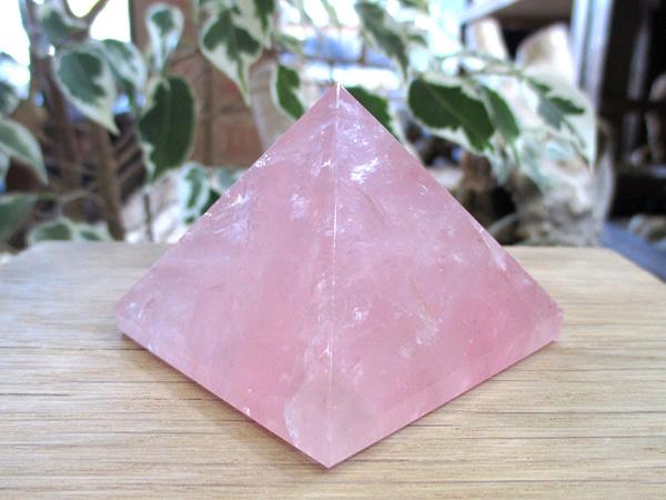 ローズクォーツ ピラミッド 紅水晶 天然石専門店 販売/鬮石