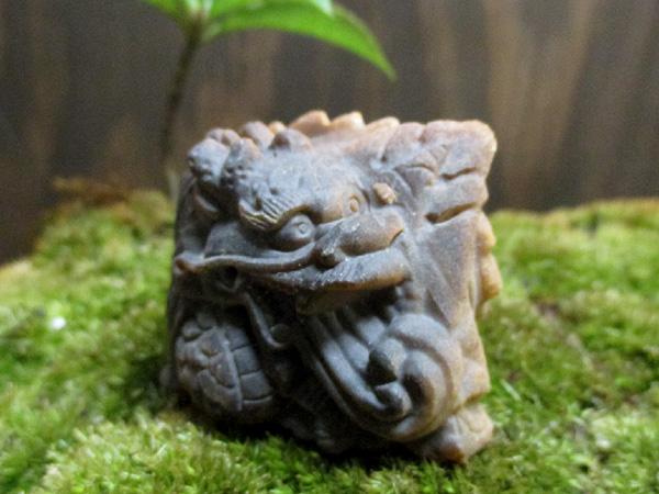 天然石タイガーアイ 龍・ドラゴン彫刻