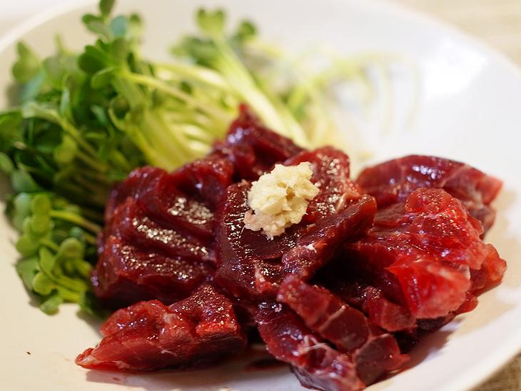 【熟成】【生食】鯨刺し(イワシ鯨/赤肉小切れ約170g)(3008)