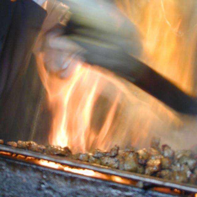 鹿児島ますや無添加炭火焼「豚珍かん」製造風景