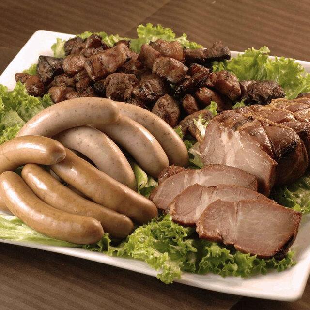 鹿児島ますや短鼻豚 黒豚炭火焼豚とウインナーの詰合せ/M-04