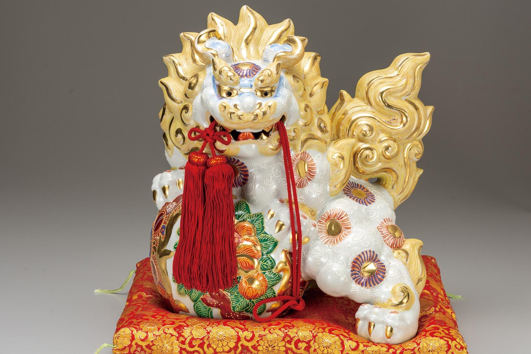 九谷焼 13号牡丹獅子 白盛 [ 座布団付 ]